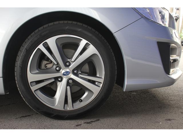 【タイヤ&ホイール】純正17インチアルミホイールを装備、215/50R17を設定しております。
