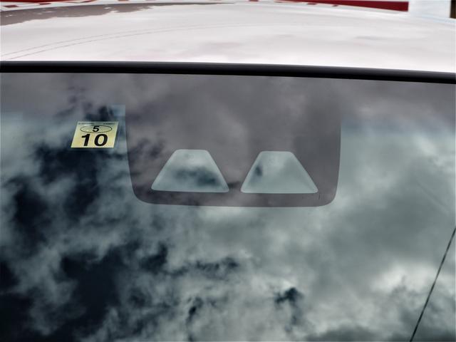 XリミテッドII SAIII 純正ディスプレイオーディオ/DVD再生/Bluetooth/バックカメラ/運転席シートヒーター/オートライト/LEDライト/オートエアコン/スマートキー/アイドリングストップ/横滑り防止/レベライザー(19枚目)