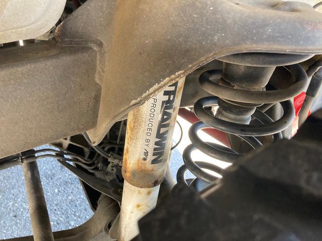 ワイルドウインド リフトアップ キーレス 5速マニュアル フル装備 4WD アルミホイール ETC 電動格納ミラー 社外パーツ 背面タイヤ ルーフレール(30枚目)