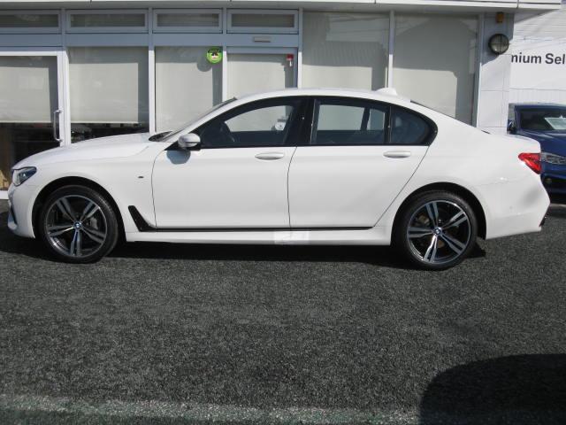 BMW BMW 740iMスポ最長4年保証純OPレーザーライト純OP20AW