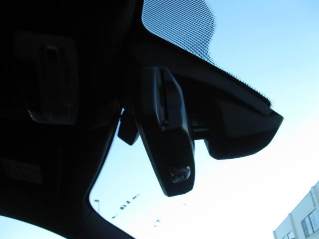 ドライブレコーダー・ガラスコーティング等の付属品や自動車保険の取扱いも心得ております。詳細は無料電話にてお問い合わせください。毎週木曜日は定休日となっております。