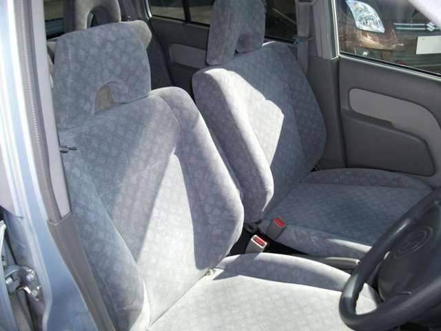 禁煙車なのでタバコ臭はもちろん、ペット臭や芳香剤などの臭いも無い良好な車内空間です(^^