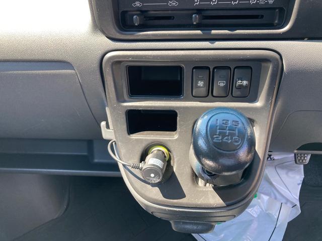 5速マニュアル 4WD ドライブレコーダー フル装備 ハイルーフ 純正アルミ 両側スライドドア バックカメラ キーレス ゴムマット Wエアバック ドアバイザー(3枚目)