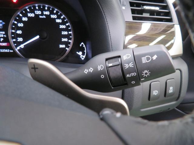 パドルシフトは、自分好みのスポーティな走りを体感できる装備です!ハンドルを握ったまま操作できます。