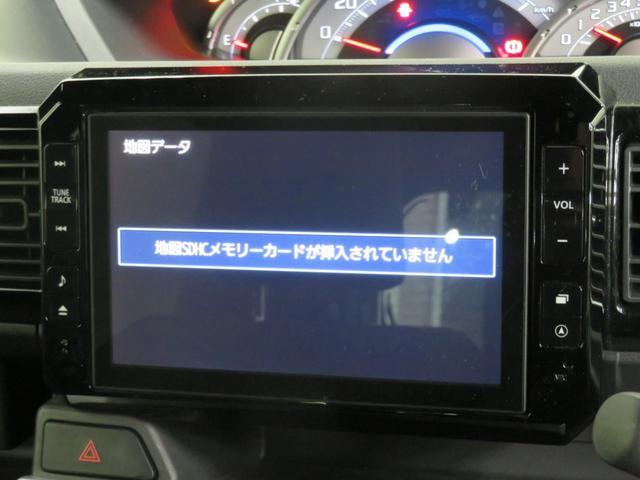 純正メモリーナビがついています。ご家族でのドライブにお仕事に活躍してくれるので、今や快適なカーライフには必須の装備ですね!