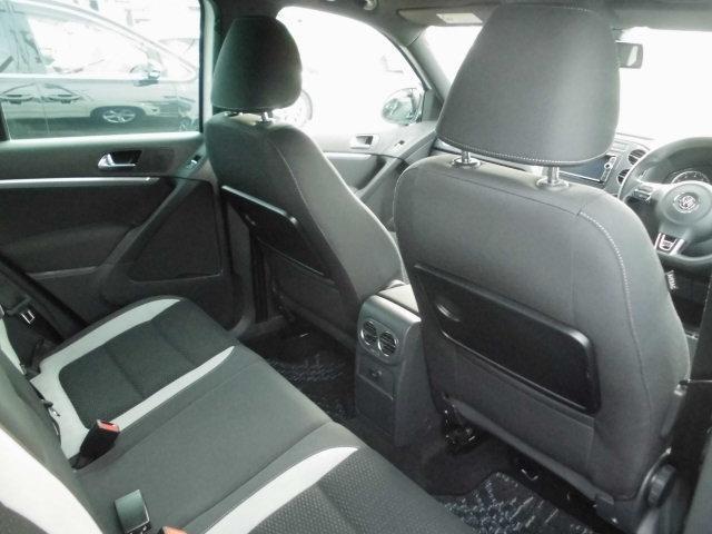 車内クリーニングは特に念入りに!ムツミでは掃除機とタオルでクリーニングする様な一般的簡単クリーニング仕上ではなく、車内専用最新機械にて隅々まで洗浄しております!全ては新オーナーの為!