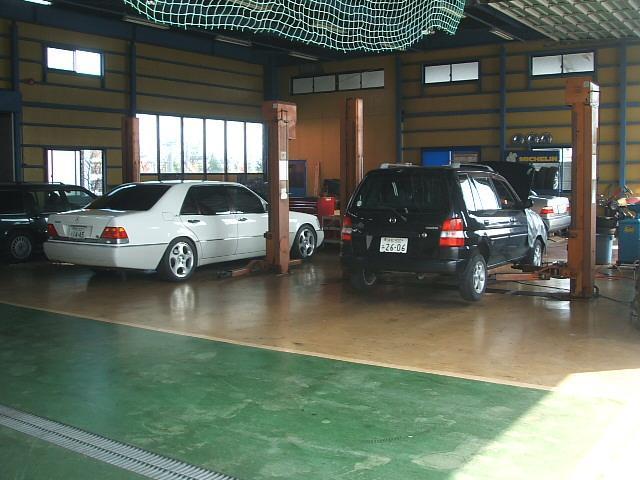 【認証工場完備】完備された認証工場で車検、点検、一般整備を実施し、サポート体制もしっかり整えております。