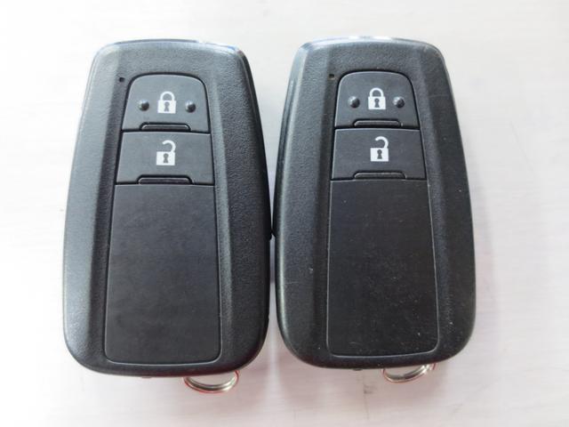 S LEDパッケージ LEDヘッド 衝突被害軽減システム(トヨタセーフティーセンス) 純正ナビ フルセグ DVD BT Bカメラ ETC 純正アルミ レーダークルーズコントロール(全車速追従機能付)(19枚目)