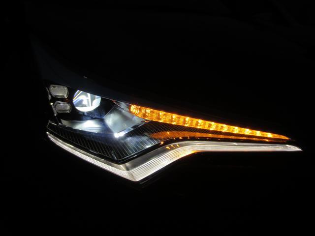 S LEDパッケージ LEDヘッド 衝突被害軽減システム(トヨタセーフティーセンス) 純正ナビ フルセグ DVD BT Bカメラ ETC 純正アルミ レーダークルーズコントロール(全車速追従機能付)(20枚目)