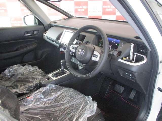 e:HEVホーム 元試乗車 ギャザズナビ Bカメラ フルセグ DVD再生 Bluetooth接続 LEDヘッドライト 追突軽減ブレーキ アダクティブクルーズコントロール ホンダコネクト 禁煙車 新車保証継承(19枚目)