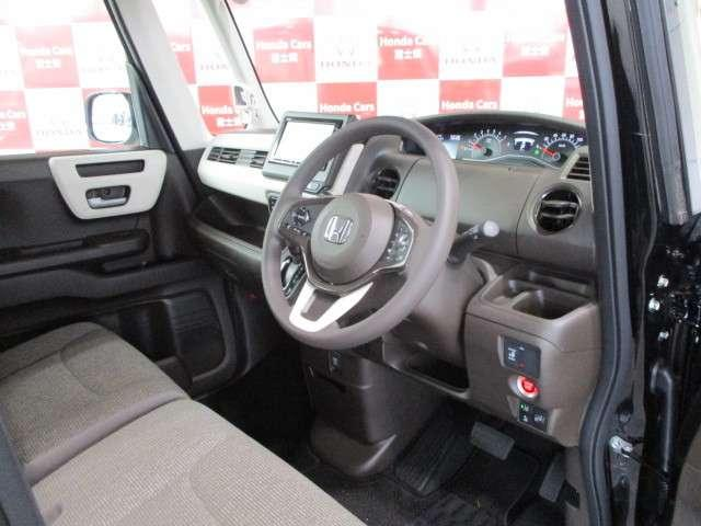 L MC後 元試乗車 ホンダセンシング ギャザズナビ Bカメラ ETC フルセグ DVD再生 CD録音 Bluetooth接続 リア席シートバックルテーブル リア席シェード 追突軽減ブレーキ 新車保証継承(14枚目)