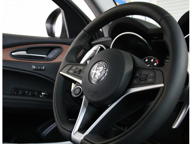 アルファロメオ アルファロメオ ステルヴィオ ファーストED 未登録車 日本未発売モデル