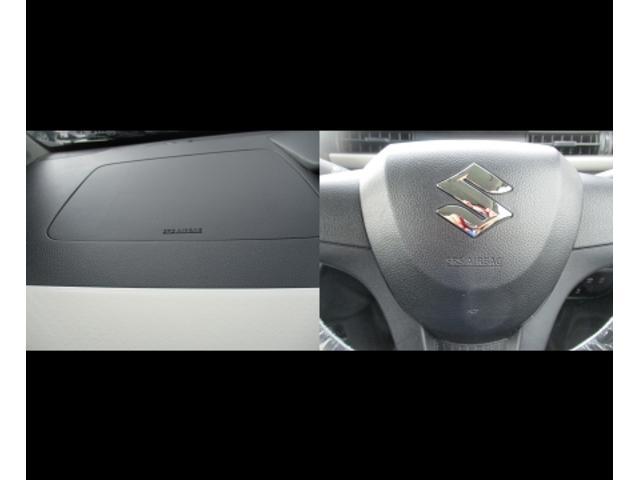 助手席・運転席にはSRSエアバッグ装備。