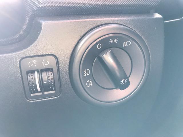 欧州車特有のこのライトスイッチは所有欲を満たしてくれます!!