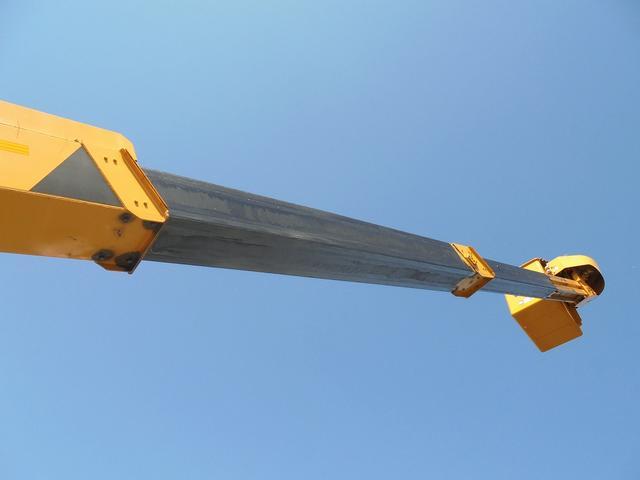 アイチ12.6m高所作業車(6枚目)