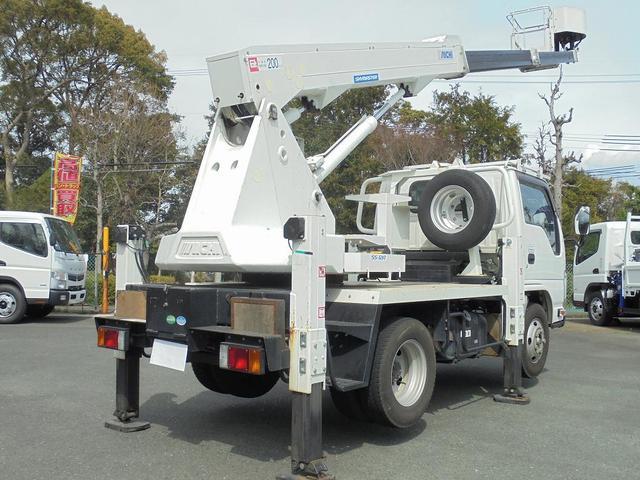 アイチ11.9m高所作業車(4枚目)