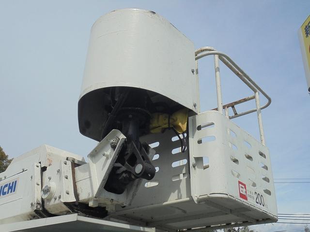 アイチ11.9m高所作業車(7枚目)