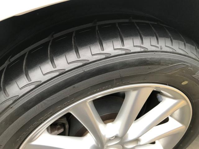 タイヤの山まだまだあります。