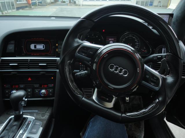 アウディ アウディ RS6アバント ベースグレード 4WD