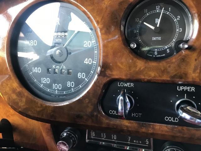 「ロールスロイス」「シルバークラウド」「セダン」「静岡県」の中古車39
