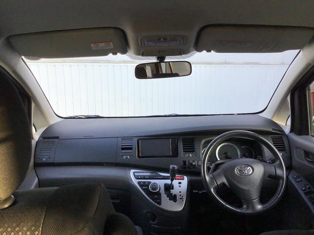 プラタナ ウェルキャブ リフトアップシート装着車 バックカメラ 両側スライド左側電動 革巻ステアリング ナビ付 ウォークスルー 電格ウインカーミラー 3列シート オートライト(22枚目)