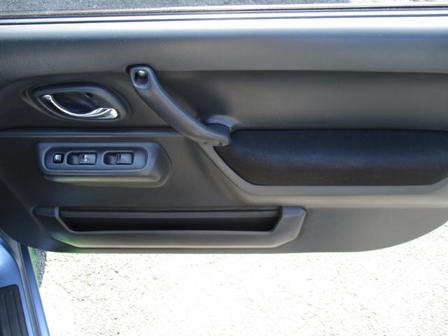 クロスアドベンチャー 4WD 5MT ETC シートヒーター キーレス フォグ 革巻きステアリング 電格ウインカーミラー ブラックカブロンソフトシート(41枚目)