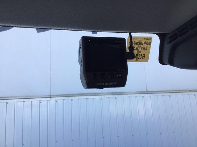カロッツェリアドライブレコーダー付いてます。