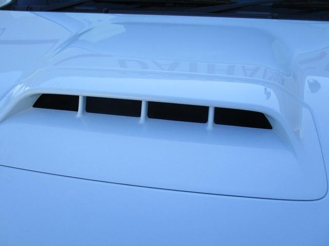 XC キーレスエントリー 2WD 4WD 4WD-L切替 フォグランプ バイザー フロアマット 電格ミラー スペアタイヤ アルミホイール コインケース オートパワーウィンドウ CD AM FMラジオ(56枚目)