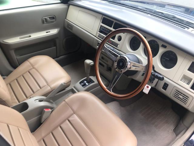 タイプII 4WD サンルーフ ベージュ革調シートカバー(4枚目)