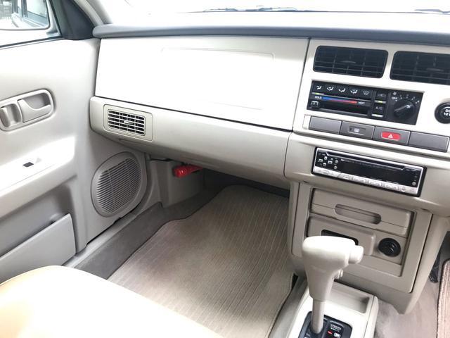 タイプII 4WD サンルーフ ベージュ革調シートカバー(16枚目)