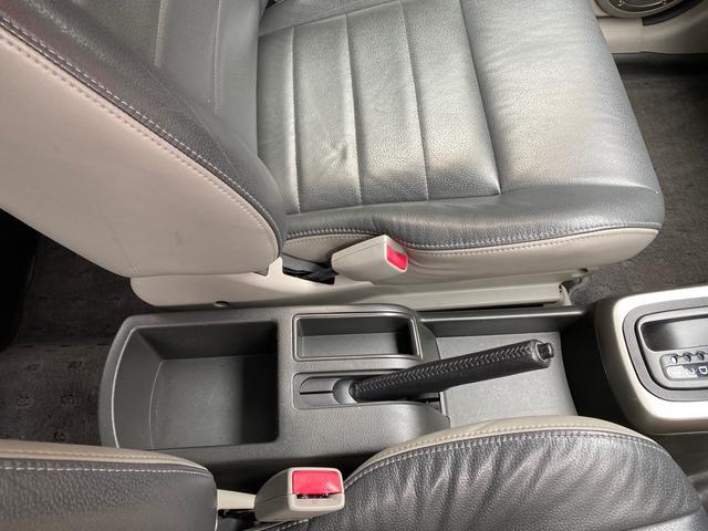 X 4WD アーミーグリーン全塗装済 ブラックバンパー 16インチアルミホイール HDDナビ DVD再生 走行中OK ETC キーレス 撥水カブロンシート  ウォッシャブルラゲッジボード(24枚目)