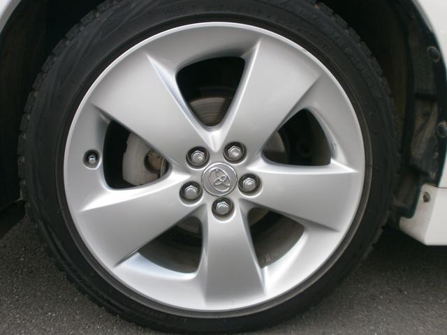 左フロント純正17インチアルミホイール洗いやすいシンプルデザイン!ボディ洗車の際はアルミホイールも一緒に洗ってあげてください!!