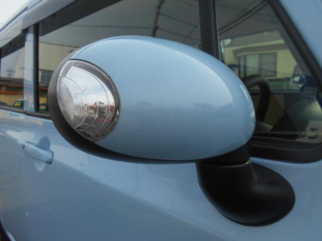 X ブルー/ホワイトツートンカラー 社外ディスプレイ付きオーディオ バックカメラ スマートキー スペアキー 純正14ホワイとホイール ベンチシート 電動格納付ミラー タイミングチェーン式エンジン(6枚目)