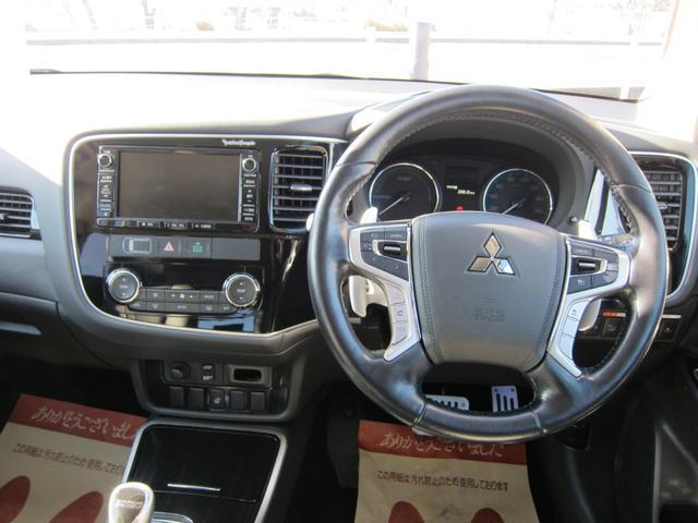 「三菱」「アウトランダーPHEV」「SUV・クロカン」「静岡県」の中古車16