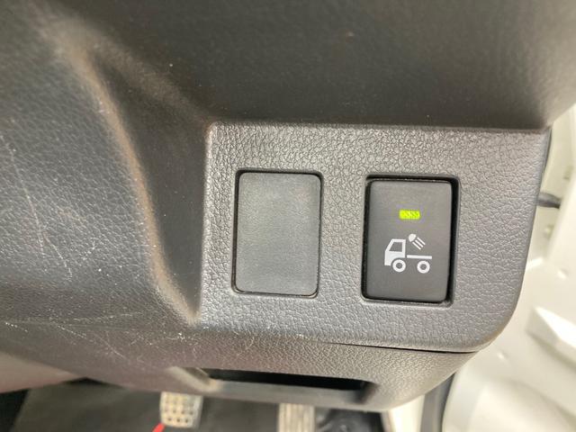 エクストラ 4WD 5速マニュアル エアコン パワステ パワーウインドウ フォグランプ 荷台マット ドアバイザー 作業灯 キーレス 軽トラック(3枚目)