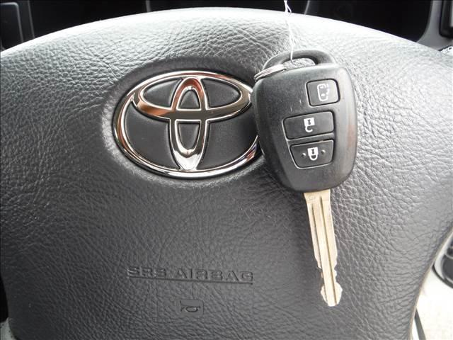 トヨタ ハイエースワゴン GL HDDナビBカメラフリップダウン電動ドア黒革カバー