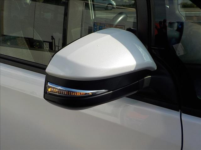 トヨタ ノア Si 地デジSDナビBカメラ両側電動LEDヘッドETC