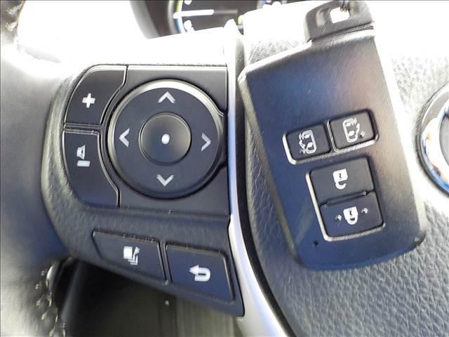 トヨタ エスクァイア ハイブリッドGi 黒革フルセグSDナビBカメラ両側電動