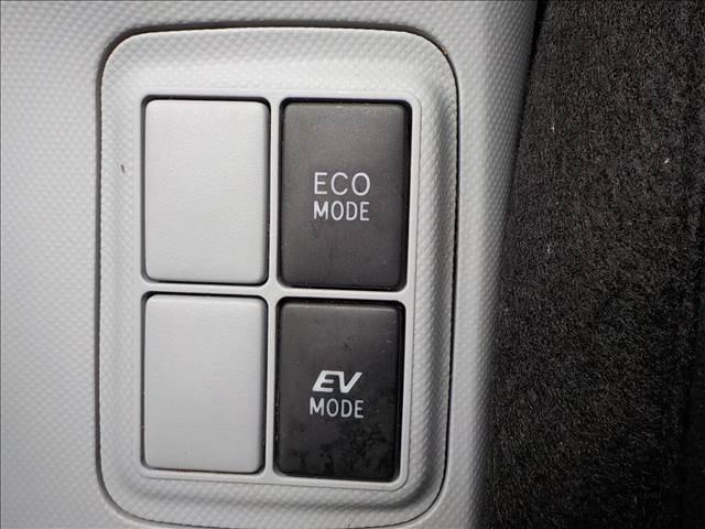 トヨタ アクア S フルセグSDナビBカメラTRDエアロETCウィンカーM