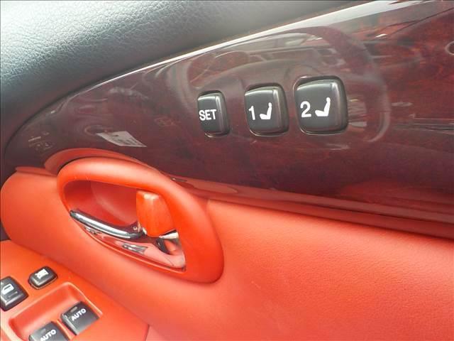 430SCV ノーブルカラーエディション レクサスSC430仕様 純正ナビ マークレビンソン 赤本革パワー&シートヒーター EDフォースコントロール付きTEIN車高調 ブリッツマフラー HIDヘッド クルーズコント 電動オープン(18枚目)