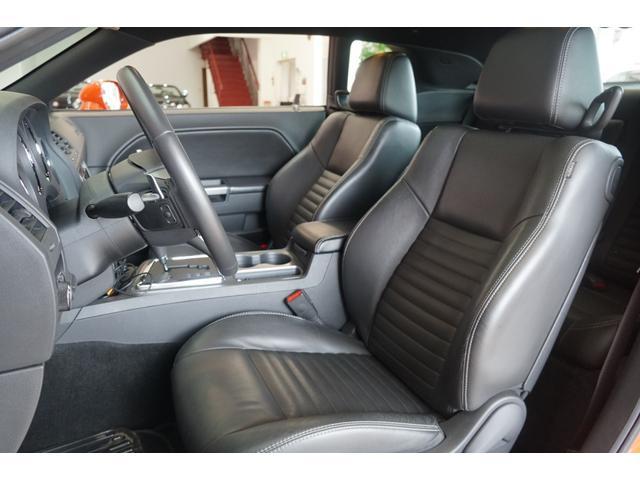 R/T2013年モデル並行輸入車黒革シート地デジ付ナビ(12枚目)