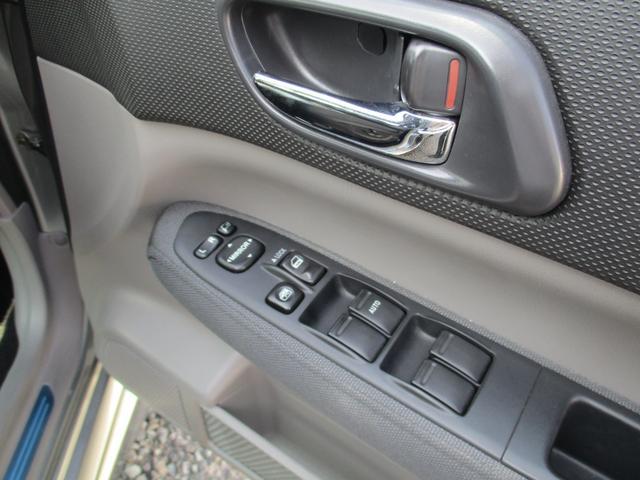 クロススポーツ2.0T 4WD 5速マニュアル 1年走行距離無制限保証付・ロ-ドサ-ビス付(18枚目)
