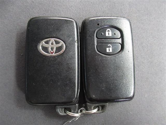 S ハイブリッド ワンオーナー 安全装備 横滑り防止機能 ABS エアバッグ 盗難防止装置 バックカメラ ETC CD スマートキー キーレス フル装備 アルミホイール オートマ(18枚目)