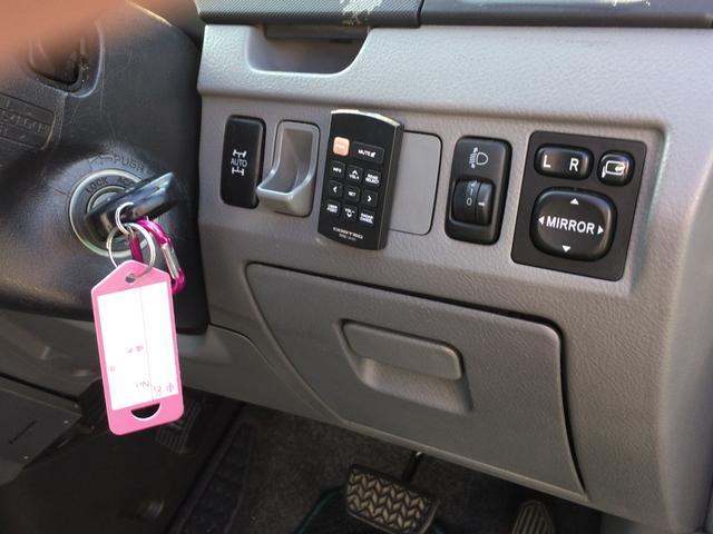 トヨタ ヴォクシー Z 両側スライドドア HDDナビ