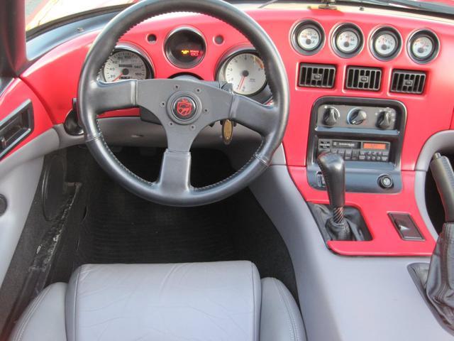 「ダッジ」「ダッジ バイパー」「オープンカー」「静岡県」の中古車16