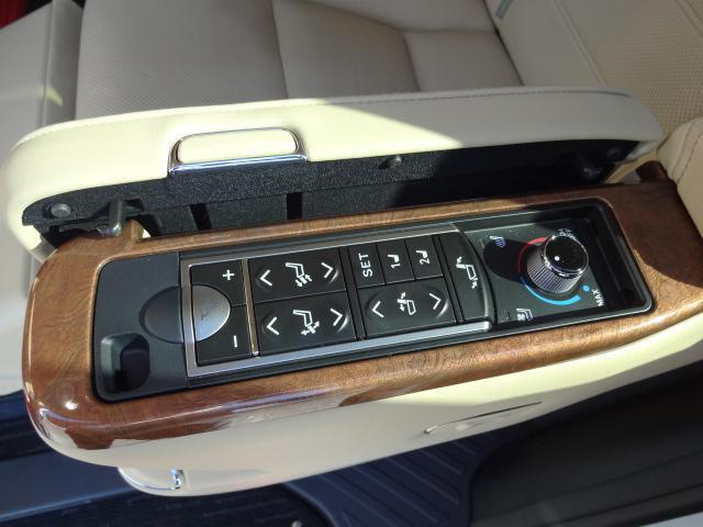 3.5エグゼクティブラウンジ サンルーフ ツインモニター 本革シート BBS18インチAW JBLプレミアムサウンド リヤエンター モデリスタフルエアロ 後席エグゼクティブシート(42枚目)