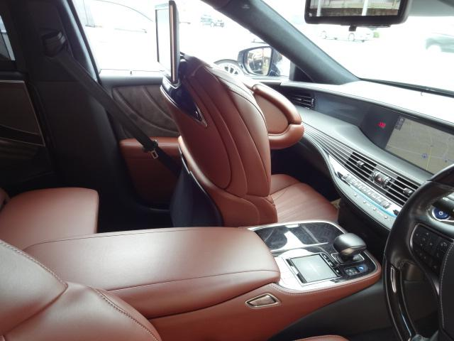 LS500h エグゼクティブ 法人1オーナー車 リアエンター後席モニター 限定オプションL-アニリン本革シート  純正オプション20インチAWブラック仕様 ローダウン マークレビンソン オートトランク ヘッドアップディスプレイ(37枚目)