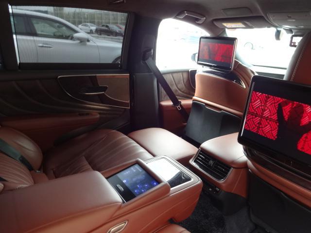 LS500h エグゼクティブ 法人1オーナー車 リアエンター後席モニター 限定オプションL-アニリン本革シート  純正オプション20インチAWブラック仕様 ローダウン マークレビンソン オートトランク ヘッドアップディスプレイ(39枚目)