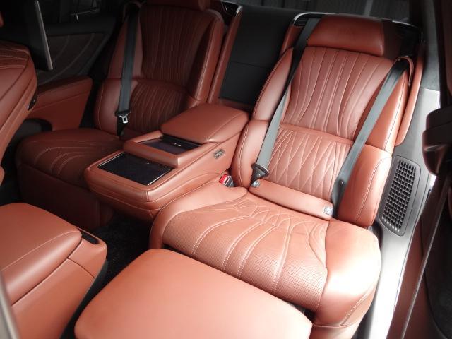 LS500h エグゼクティブ 法人1オーナー車 リアエンター後席モニター 限定オプションL-アニリン本革シート  純正オプション20インチAWブラック仕様 ローダウン マークレビンソン オートトランク ヘッドアップディスプレイ(50枚目)
