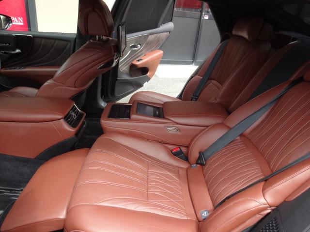 LS500h エグゼクティブ 法人1オーナー車 リアエンター後席モニター 限定オプションL-アニリン本革シート  純正オプション20インチAWブラック仕様 ローダウン マークレビンソン オートトランク ヘッドアップディスプレイ(52枚目)
